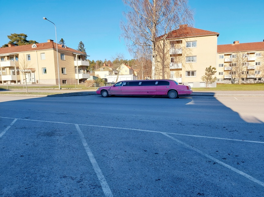 Rosa limousine